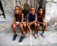 cuban_kids_in_the_streets_havana-web